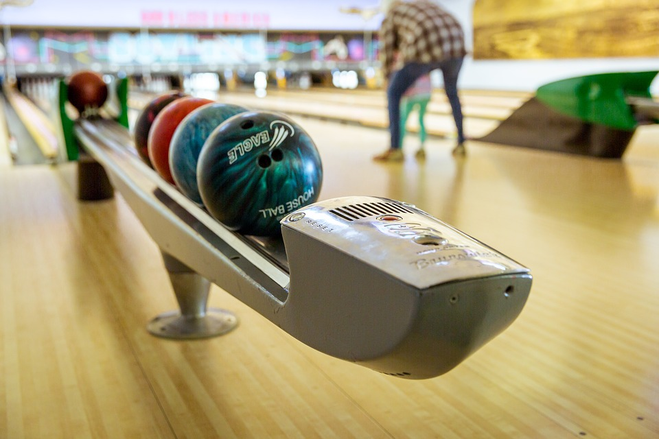 bowling family recreation lifestyle leisure fun